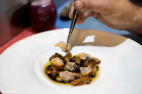 Plato cocinado con berberechos de Boreas
